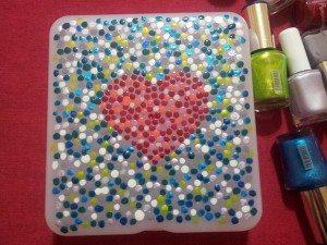 cajita-decorada-pintauñas-diy-san-valentin-manualidades-regalo