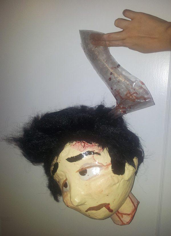 Cabeza decapitada del príncipe de cenicienta para halloween