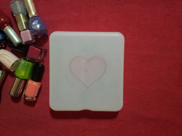 diy-decorar-caja-con-pintauñas-2