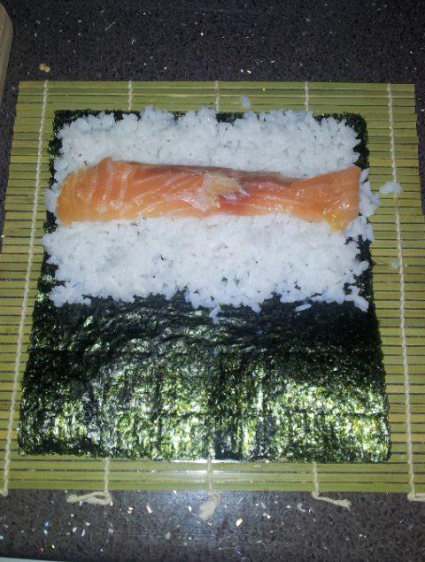 preparacion-sushi-casero-colocacion