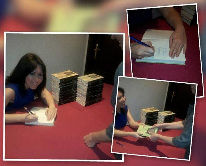 firma-de-libro diario treintañera mujer