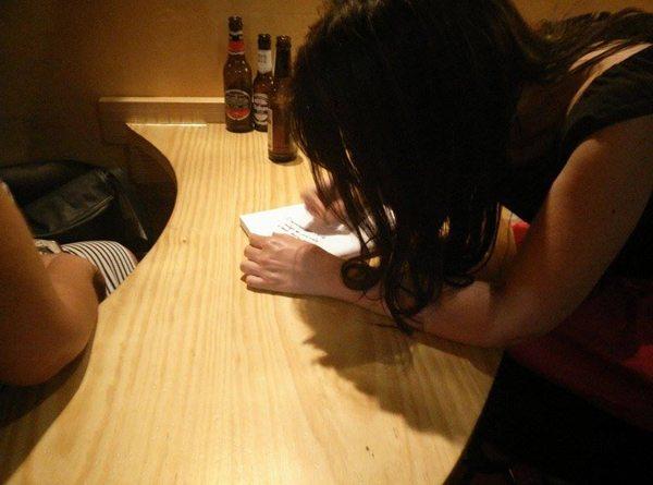 firma de libros firmando